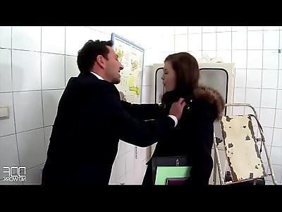 A Pinning Experience Domina Yasmin Scott Urinates On Submissive Guy