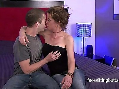 Tricky cougar seduces the young technician and fucks him on the bed