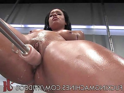 Busty Cutie plays With a Juicy Pussy