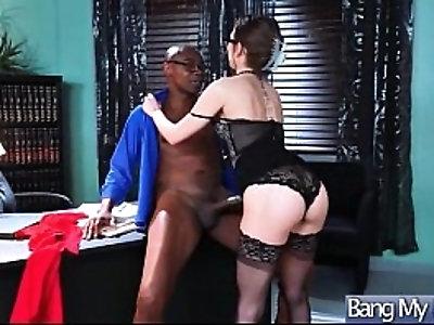 Horny Slut Patient Riley Reid Seduce by Doctor For Sex Adventures Action movie