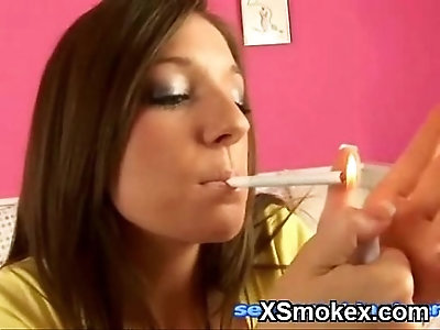 Tempting Chick Smoking Wild Nude