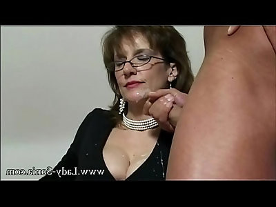 UK MILF Sonia wants cum, but doesnt have time fuck