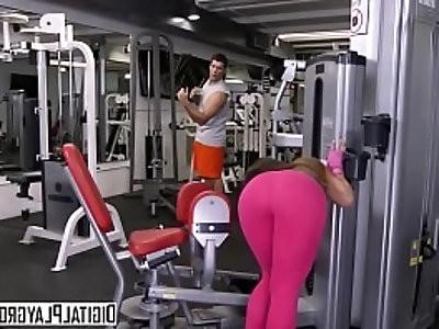 Yoga pants teen kelsi monroe loves anal