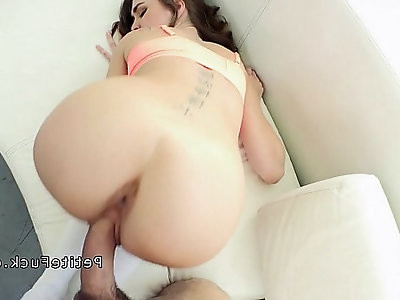 Jolly brunette spinner pussy licked and fucked