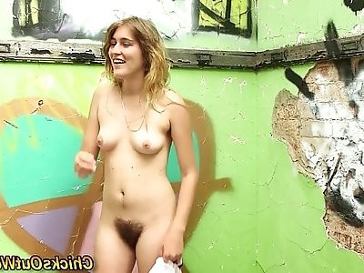 Hairy amateur pees